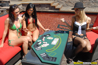 Naked lesbian babe poker game