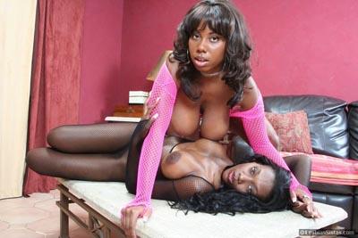 Naked black lesbian girls